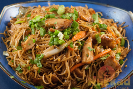 CHICKEN HAKKA NOODLES(NV)
