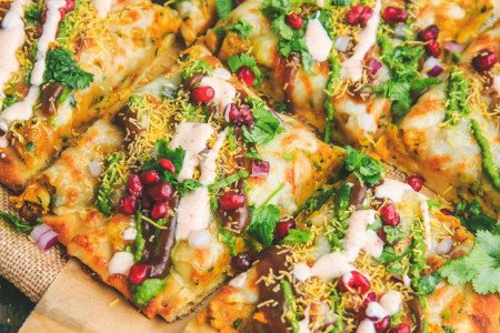 Samosa Chat Naan Pizza